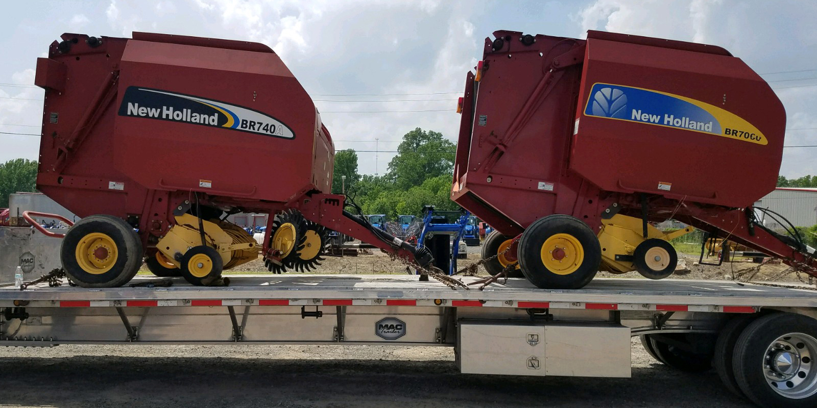 Transporting New Holland BR740A and BR70CU Balers