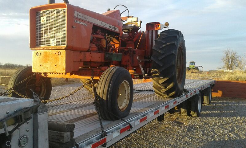 Transporting Allis Chalmers 190XT Tractor