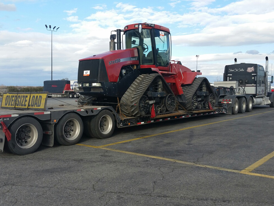 Transporting Case STX 450 Quadtrac Tractor
