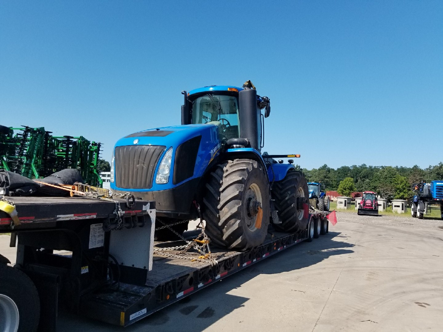 New Holland T9.615 Tractor being transported